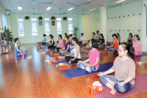 Tại sao nhiều nhân viên văn phòng lại tìm đến Yoga như môt hình thức tập luyện mỗi ngày