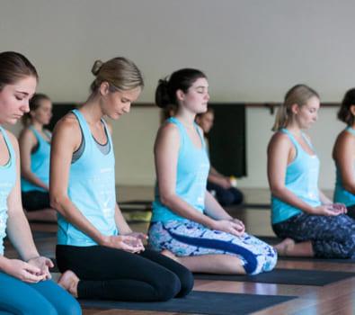 Kỹ thuật thở Ujjavi (Hơi thở đại dương)- Yoga cuộc sống-1