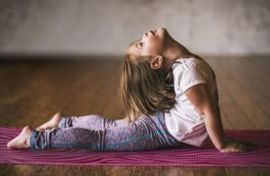 Lợi ích yoga cho trẻ-1