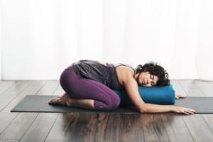 Yoga phục hồi và lợi ích tuyệt vời cho bạn